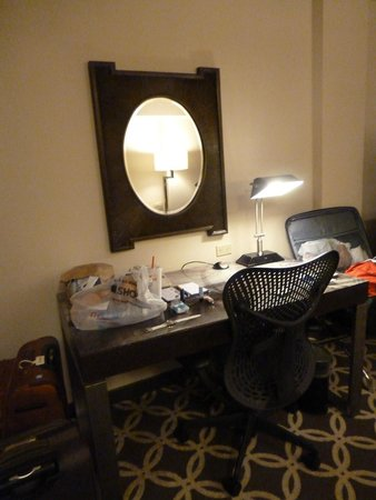 Hilton Garden Inn Washington, DC Downtown: Escritorio