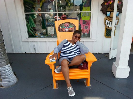 Broadway at the Beach : Relaxing in one of many sitting areas.