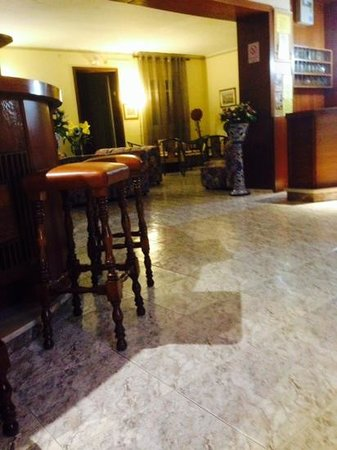Bonavista : reception and bar area