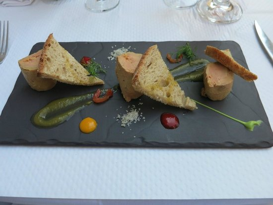 Au Port Du Salut: Foie Gras with tomato chutney and country bread