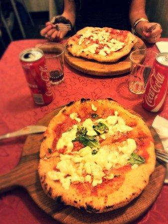 Pizzeria Starita a Materdei : Le Montanare :P