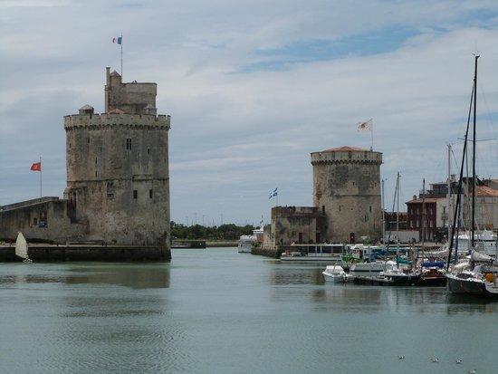 Camping au Petit Port de l'Houmeau : Les tours de la Rochelle