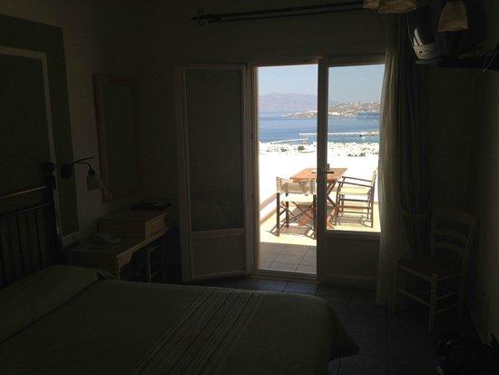 Pelican Hotel: Vue sur la terrasse