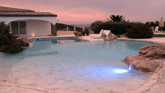 Hotel Pulicinu: La piscina
