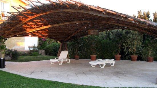 Hotel Pulicinu: Ombra in piscina