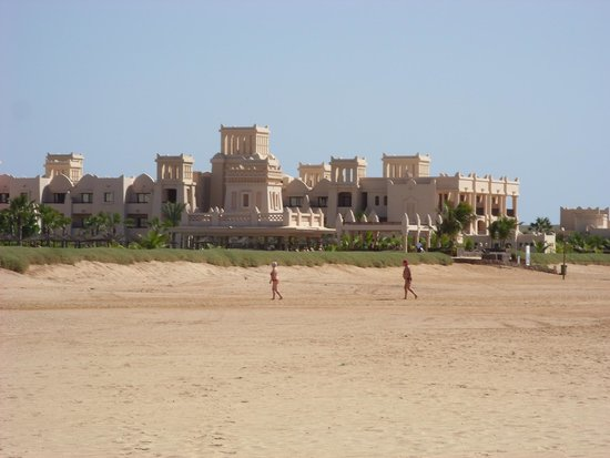 Hotel Riu Touareg: hotel on the beach