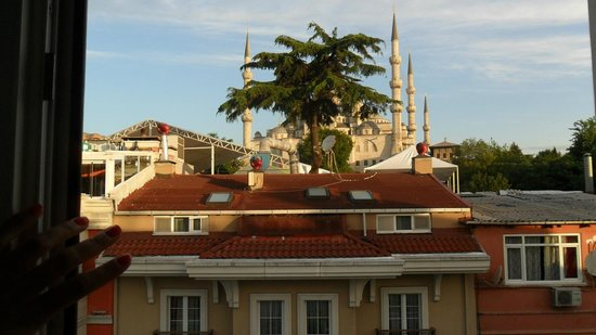 Hotel Aslan Istanbul : View from our room