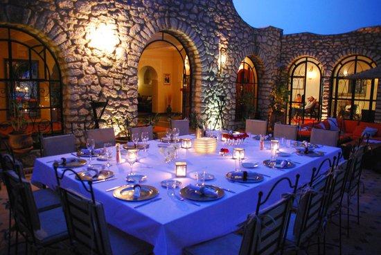 Villa Amaryllis : repas du soir sur la terrasse