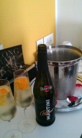 Hotel Valentina: Gift for celebrating wedding anniversary :)