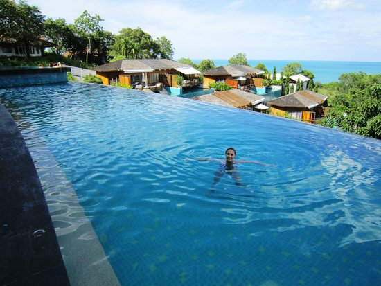 KC Resort & Over Water Villas: Swimming pool with a view
