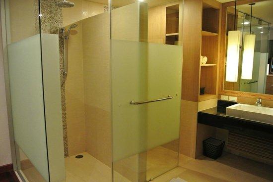 Pakasai Resort: ห้องน้ำกว้างดีนะคะ