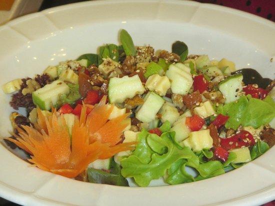 Magnolia Cafe & Studio: Delicious Magnolia Cafe salad