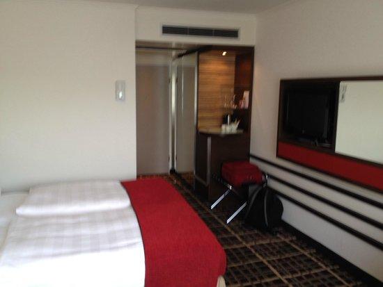 Steigenberger Hotel Berlin: Habitación HOtel