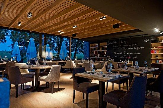 Naxhelet La Cuisine & Clubhouse