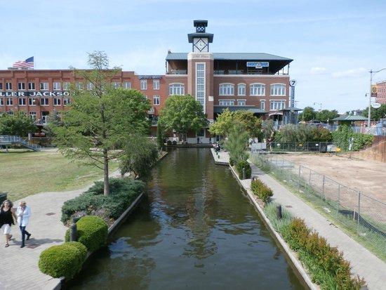 Bricktown: Canal walk