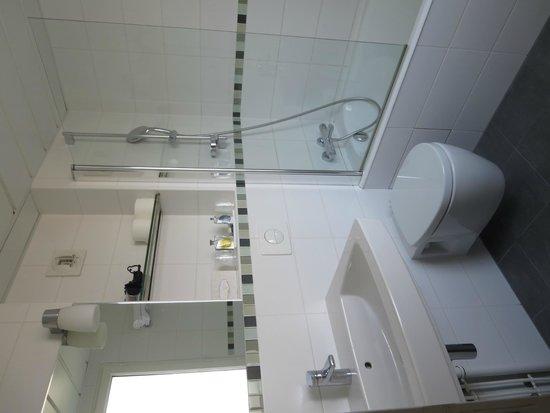 Le Relais Saint Charles : Bathroom