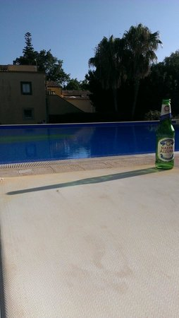 Hotel Caiammari: Cool Italian beer at the pool.