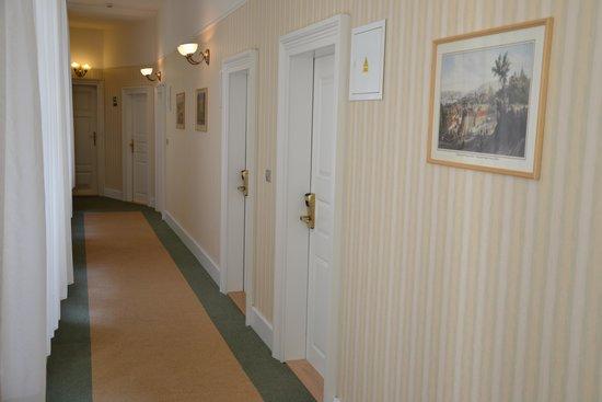 Rott Hotel: Hotel corridor