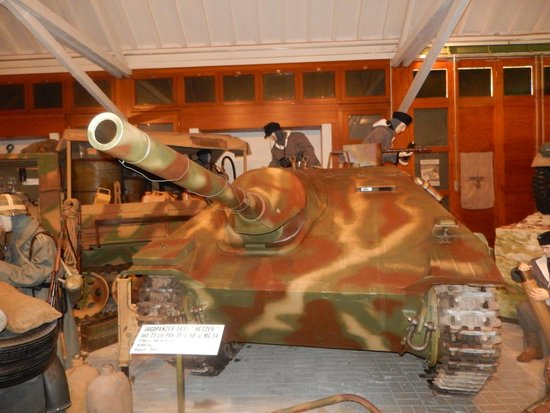 "National Museum of Military History : German ""Mause"""