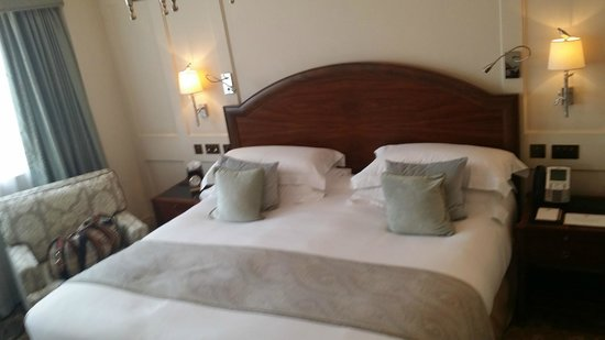 The Langham, London: Room- LARGE BED