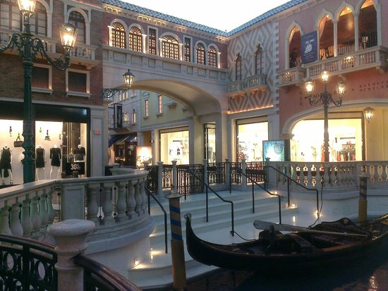 The Grand Canal Shoppes at The Venetian: Shops