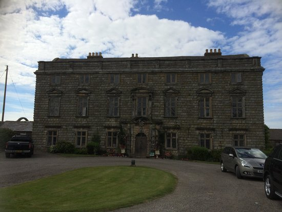 Moresby Hall: A view from our car