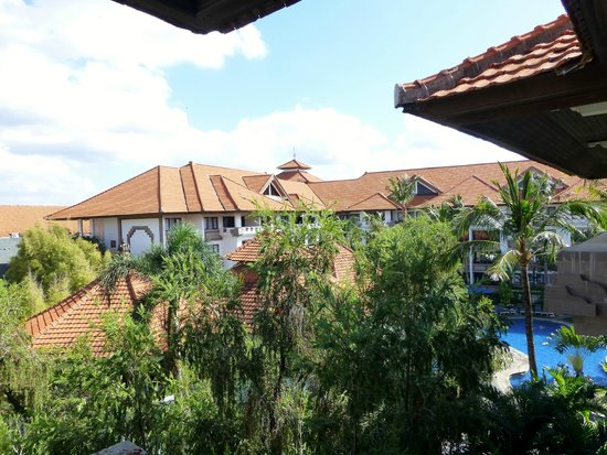 Prime Plaza Suites: View from 4th floor balcony