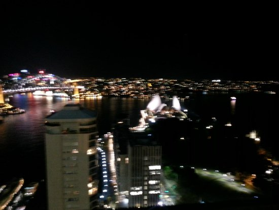 InterContinental Sydney : View from the Inter-continental Club Lounge at night