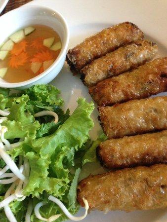 KOTO Van Mieu Training Restaurant : Fried spring rolls
