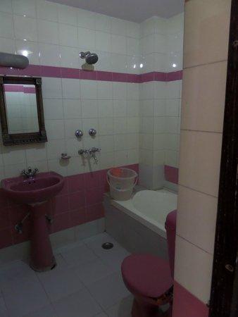 Hotel Haveli Jodhpur: Badkamer
