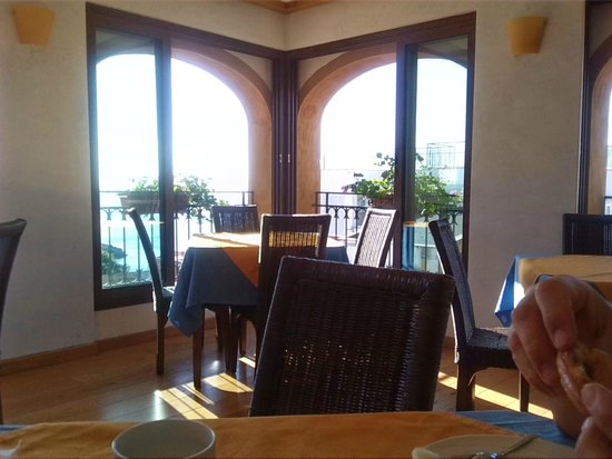 Hotel Clelia: Breakfast area with View from the terrace