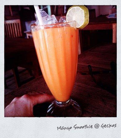 Gecko Restaurant and Rooms: Mmmmmm mango smoothie
