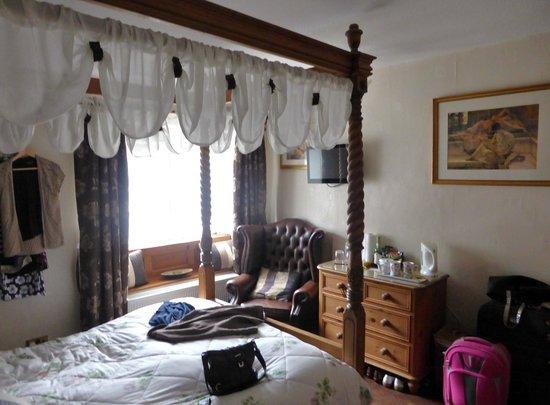 Rosebud Cottage Guest House : Tapestry Rose room