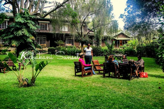 Naro Moru River Lodge: Sitting out in Nature
