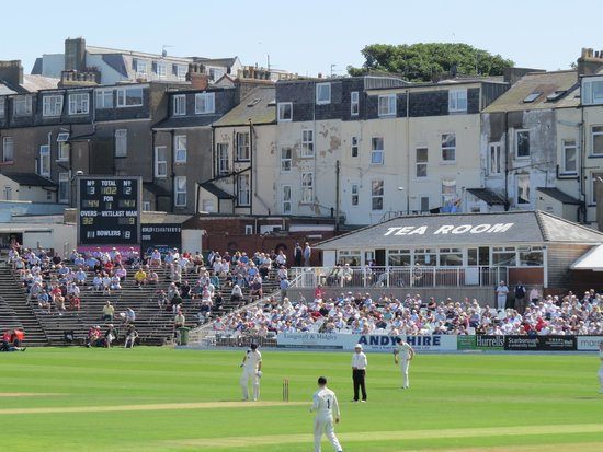 Scarborough Cricket Club: View of tearoom and scoreboard