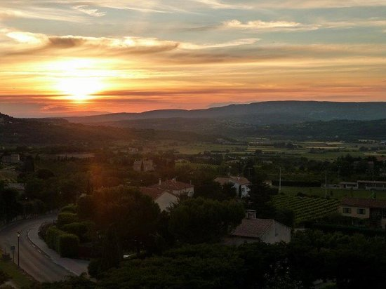 Le Clos du Buis : Sunset View from Bedroom Window