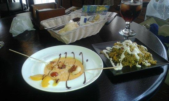 Restaurante la Alacena : Salmorejo de mango con langostinos yakitori y paella de la casa