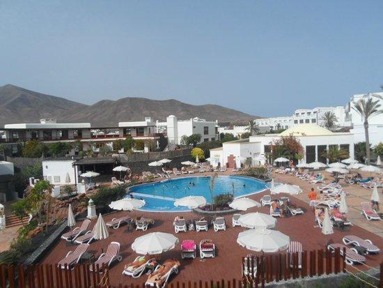 Dream Gran Castillo Resort: widok z pokoju na basen dla dorosłych