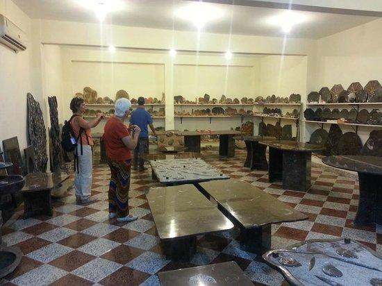 Tour Marruecos Paradise - Day Tours : visitando la fábrica de fósiles de Ourfoud