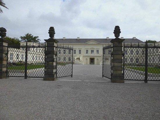 Herrenhäuser Gärten: Blick auf das wiedererbaute Herrenhäuser Schloss