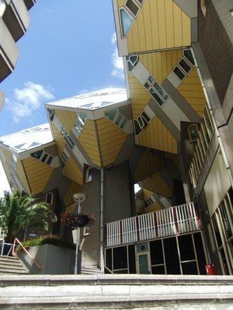Kijk-Kubus (Show-Cube): Cubus Flats in Rotterdam