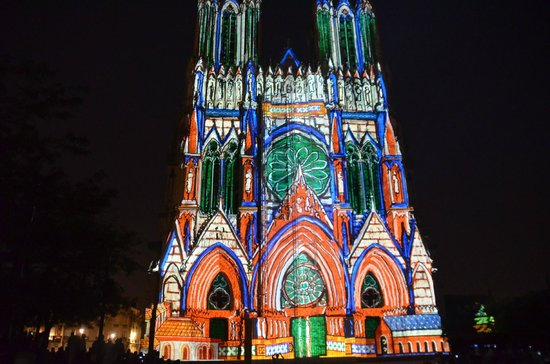 Cathédrale Notre-Dame de Reims : Reims cathedral laser light show