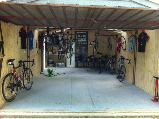 Pioneer Garden Cottages: Cycling shed