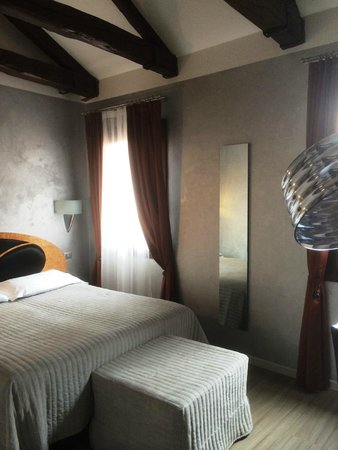 Hotel Paganelli: Bedroom in annex