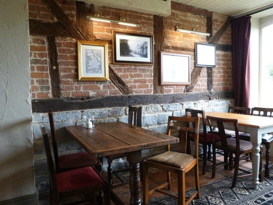 The Stag at Redhill : dining
