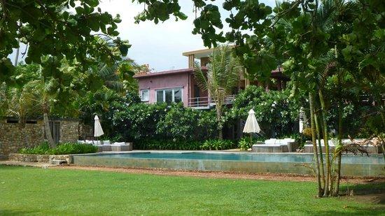 Knai Bang Chatt: Poolside