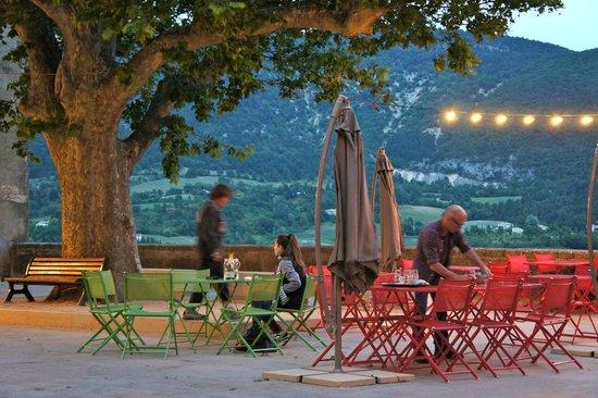 Terrasse du restaurant picture of chez paulette for S bains restaurant