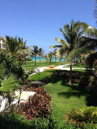 Now Jade Riviera Cancun : taken from hotel lobby toward the beach