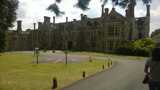 Rhinefield House Hotel: Front