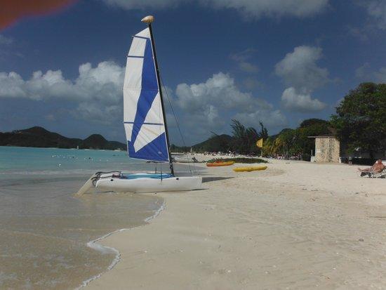 Starfish Jolly Beach Resort : 1 cata sur 2 de disponibles (le vent est très bon et j'en ai fais plusieurs fois ! )